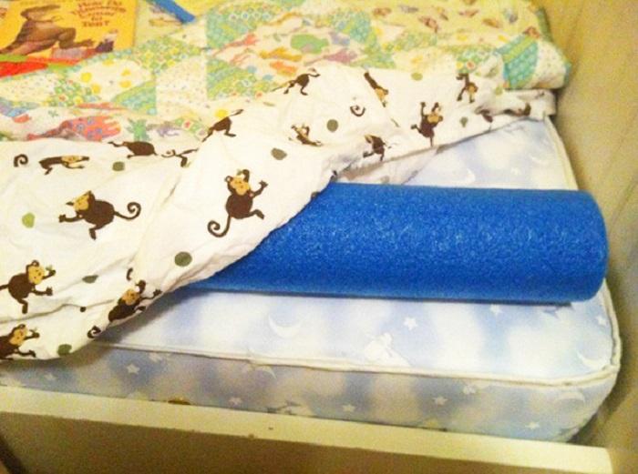 Защитите ваших детей от падения с кровати.