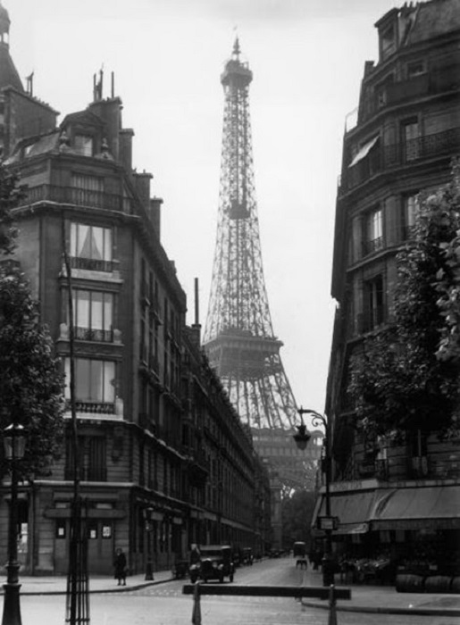 Выход на самую главную достопримечательность Парижа.