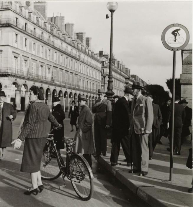 Одна из самых длинных и известных улиц в Париже, естественное продолжение Елисейских Полей на восток от площади Согласия.