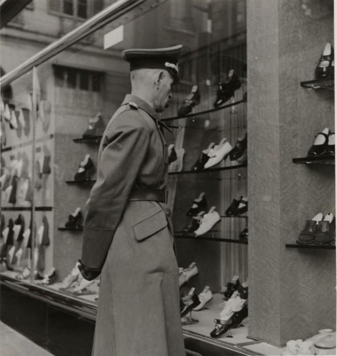 Рю Риволи. Искушение обувью.
