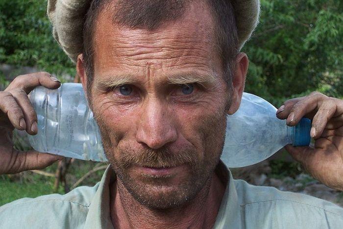 Малочисленный народ, живущий на севере Пакистана в горах Гиндукуша.