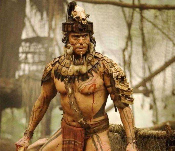 Индейская народность, которая до завоевания испанцами Центральной Америки жила в культурно-географической области, называемой Мезоамерикой. К этой народности относятся индейцы юкатеки, чоли, лакандоны, чонтали, чорти, чухи, цельтали, цоцили, тотики, хакальтеки, хаустеки, киче, пакоман, покомчи.