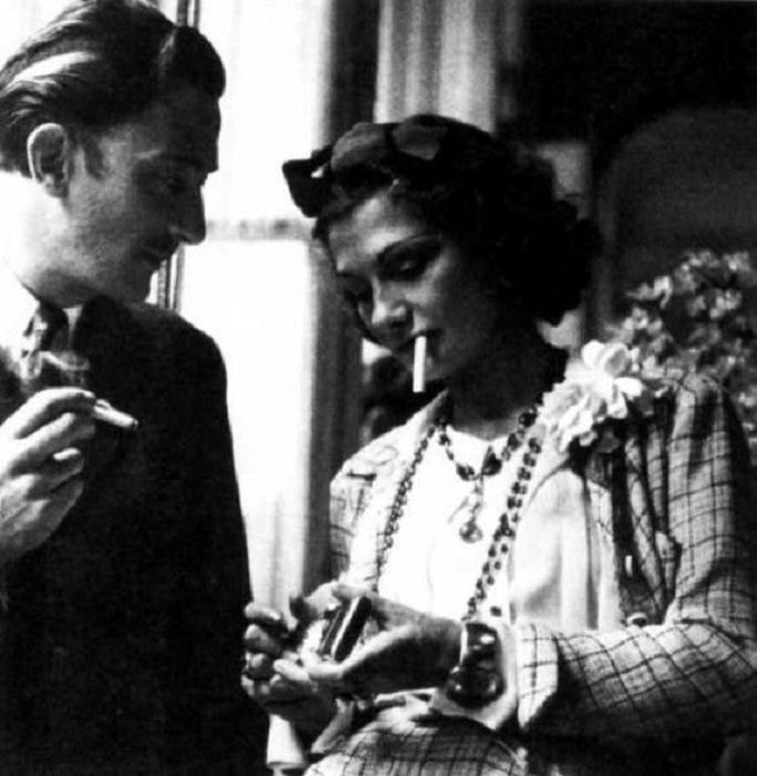Сальвадор Дали у Коко Шанель в Рокбрюне, 1938 год.