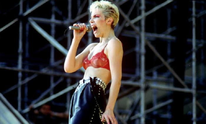 Шотландская певица, композитор и автор песен, одна из самых известных женщин в рок-музыке в конце XX — начале XXI веков.