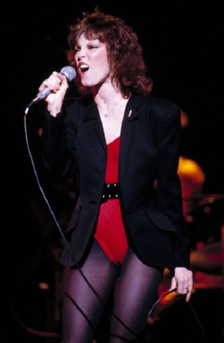 Одна из наиболее популярных американских рок-вокалисток, достигшая пика своей карьеры в первой половине 80-х.