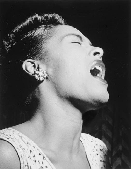 По-настоящему популярная джазовая певица, обладавшая собственным и очень сильным ощущением классического блюза.