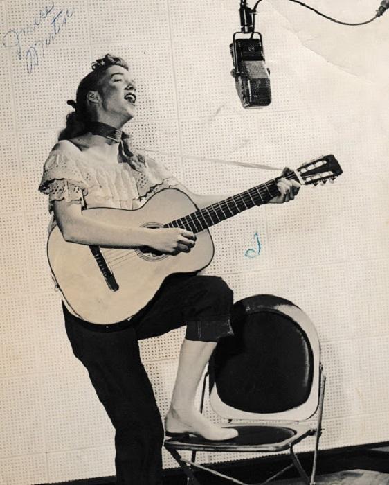 Была одной из немногих женщин, работающих в рок-н-ролле.
