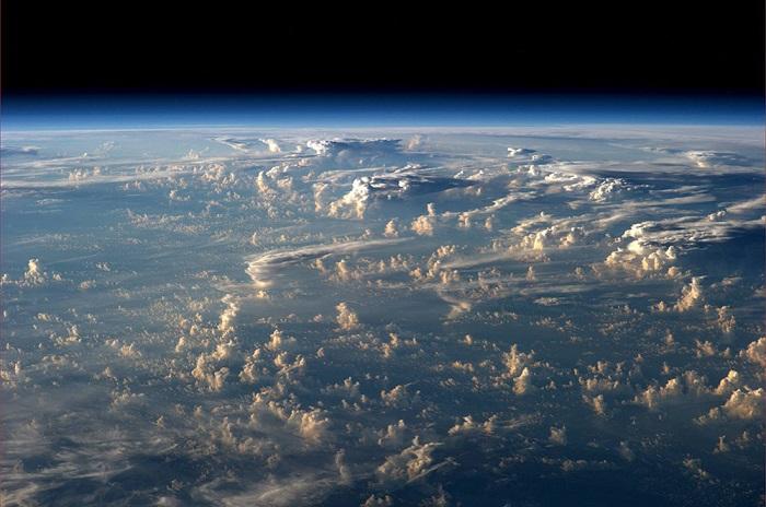 Красивые облака. Фотограф Александр Герст (Alexander Gerst).