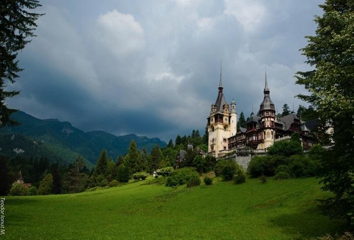 Жемчужина в ожерелье замков всей восточной Европы, гордостью румынских королей и всей современной Румынии. Фотограф: Teodor Ionut.