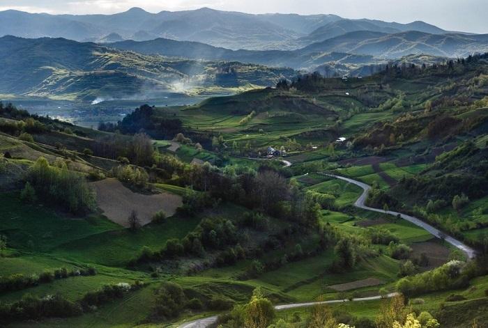 Легендарный край, расположенный на севере Румыний, окруженый холмами и горами. Фотограф: Cristian Ioan.