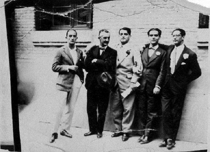Сальвадор Дали, Хосе Морено Вилья, Луис Бунюэль, Федерико Гарсиа Лорка и Хосе Антонио Рубио Сакристан, 1926 год.
