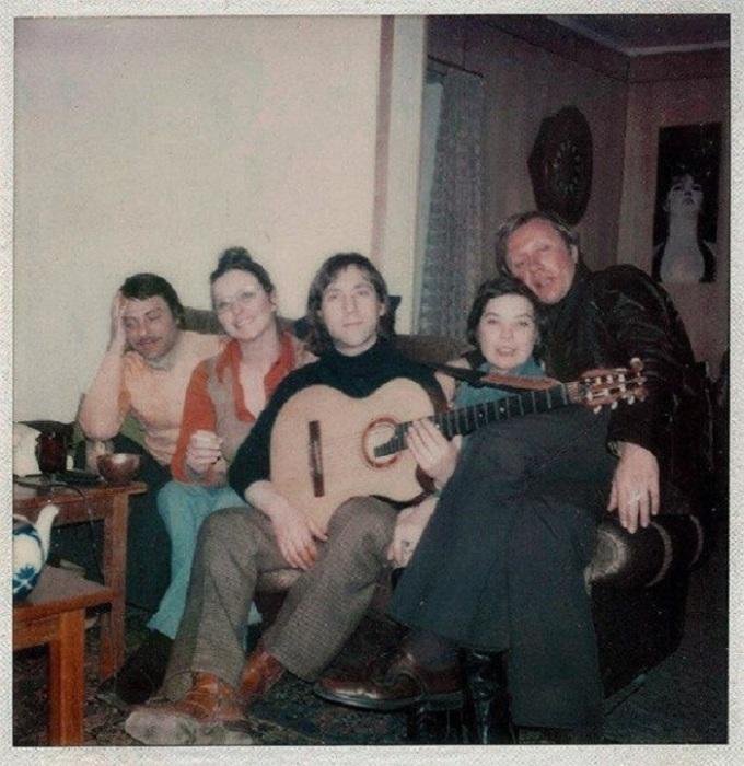 Празднование дня рождения Миронова в квартире Высоцкого на Малой Грузинской, 1970 год.