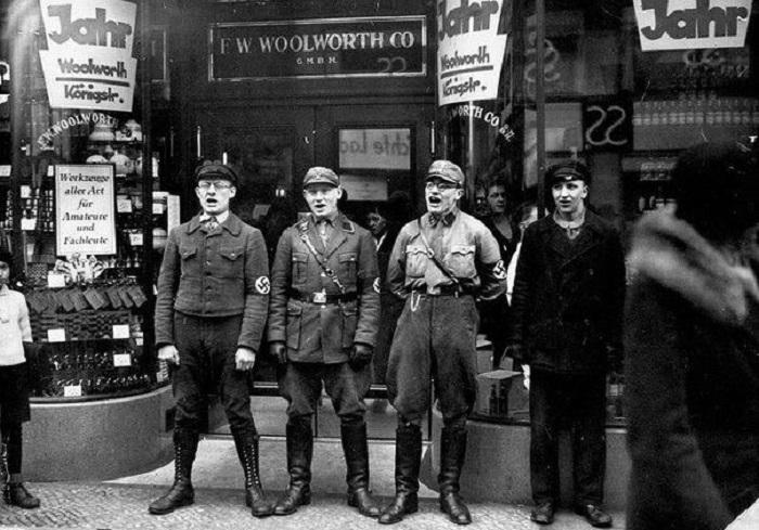 Песенный призыв бойкотировать еврейские магазины, 1933 год.