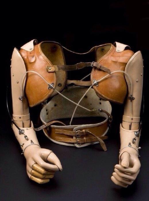 Протез, сделанный для 17-летнего мальчика, США, 1959 год.