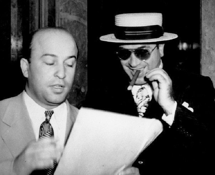 Аль Капоне со своим адвокатом Абе Тейтельбаумом, Майами, 1941 год.