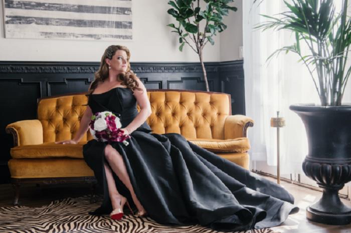 Шикарное черное платье для шикарной невесты