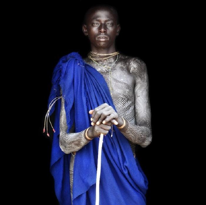 Мужчина с полукочевого племени.
