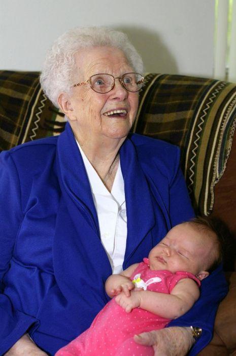 «Моя дочь, родившаяся в 2013 году, на руках у прапрабабушки 1913 года рождения».