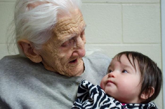 «Моя прабабушка, младшая кузина и 100-летняя разница в возрасте».