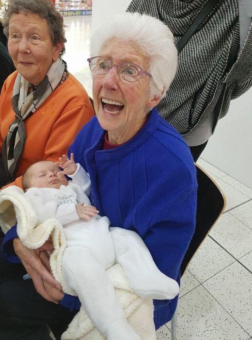 «Моя бабушка не знала, что увидится со своей правнучкой, поэтому встреча стала для нее большим сюрпризом».
