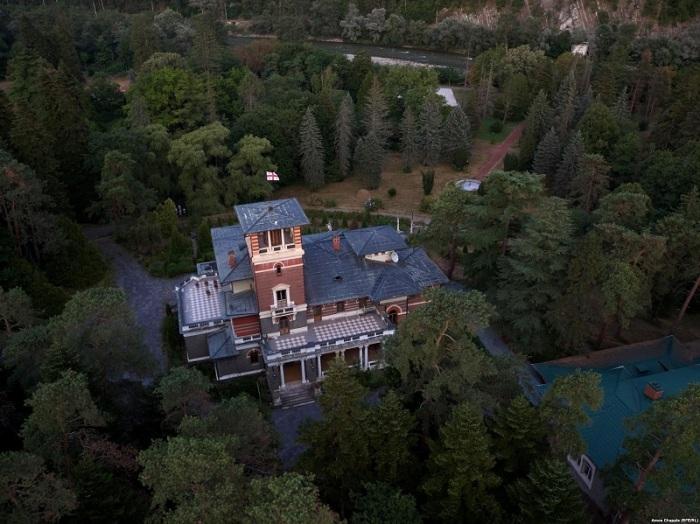 Бывшая летняя резиденция легендарной российской императорской династии Романовых расположена в непосредственной близости от города Боржоми.