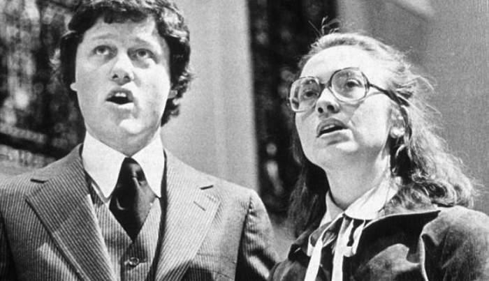 На снимке - молодой Клинтон со своей супругой Хиллари в 1978 году, в 47 лет он занял президентский пост, став 42-м главой государства США.