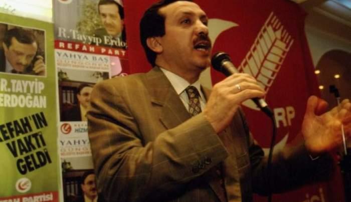 Политик выступает перед избирателями, баллотируясь на пост мэра Стамбула в 1994 году, а с августа 2014 года он уже занял пост президента Турции.