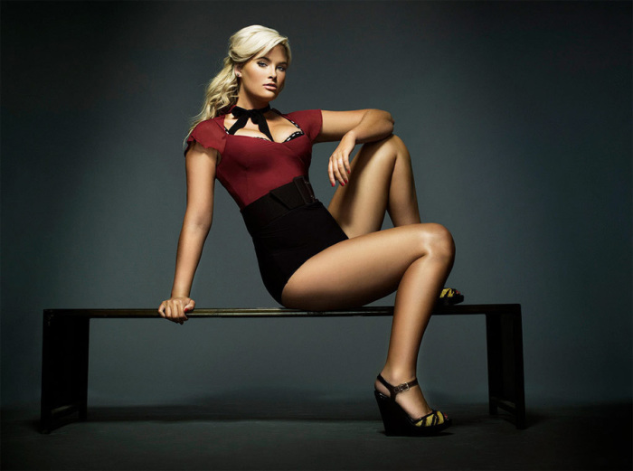 Зеленоглазая блондинка известна своей победой в 10 сезоне шоу «Топ-модель по-американски».