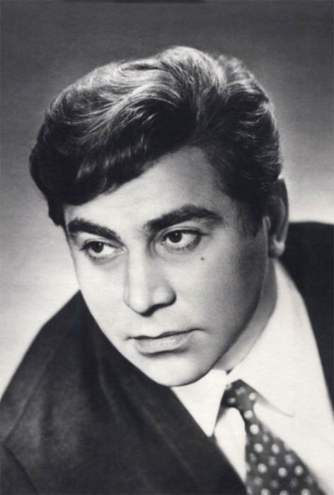 Более 128 ролей насчитывается у советского актёра театра и кино.