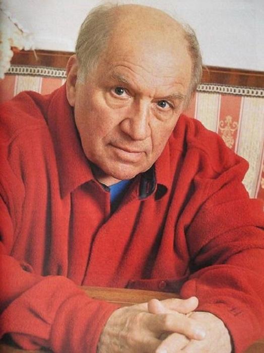 Многогранный российский актер снимался в кино, играл в спектаклях и телеспектаклях, озвучивал мультфильмы, участвовал в постановках.