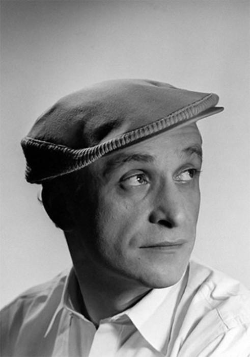 Советский и российский актёр Назван одним из лучших режиссёров детского кино - «Внимание, черепаха!», «Телеграмма», «Автомобиль, скрипка и собака Клякса», «Чучело».
