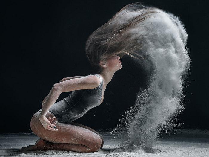 Взрывные фотографии, на которых танец — нечто большее, чем просто танец.