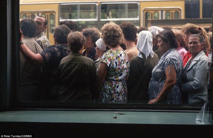 Очередь в Москве на автовокзале.