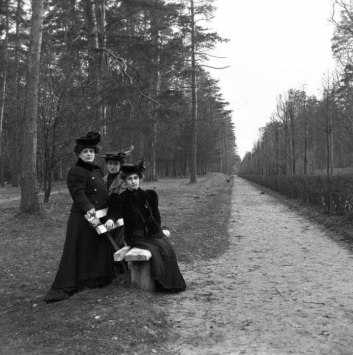 Проспект получил название по майским народным гуляньям, проходившим в Сокольническом парке в XVIII в.