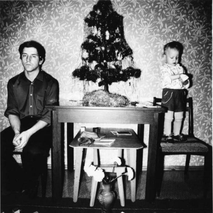 Папа как всегда подарок не получил.  1990 год.