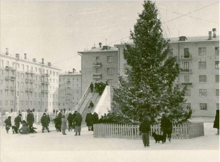 Время подарков и долгожданных каникул.  1962 год.