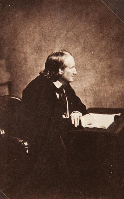 Французский поэт, романист и драматург, 1860 год.