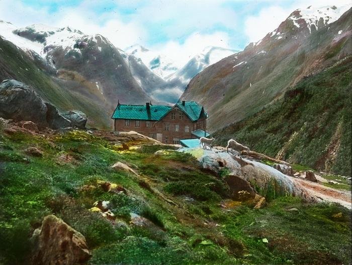 Старомодный вид гостиницы компенсируется ее великолепным местоположением и дружественной норвежской атмосферой.