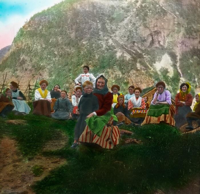 Женщины и дети коммуны Гранвин.