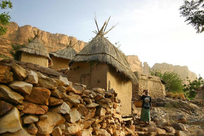 Маленький дом, в котором живёт счастье, - самый надёжный замок на земле, - Мехмет Мурат Илдан.