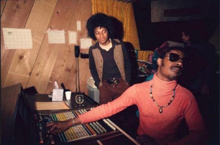 Фотография сделана в звукозаписывающей студии «Моутаун» в США.
