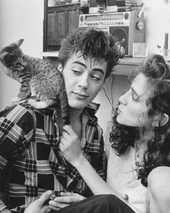 Американский актер с котенком и звездой телесериала «Секс в большом городе».