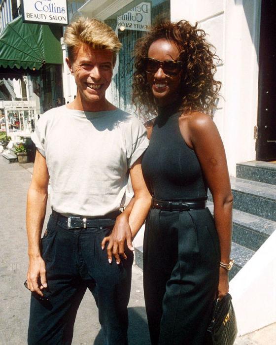 Снимок пары сделан английским фотографом Ричардом Янгом (Richard Young) в 1991 году.