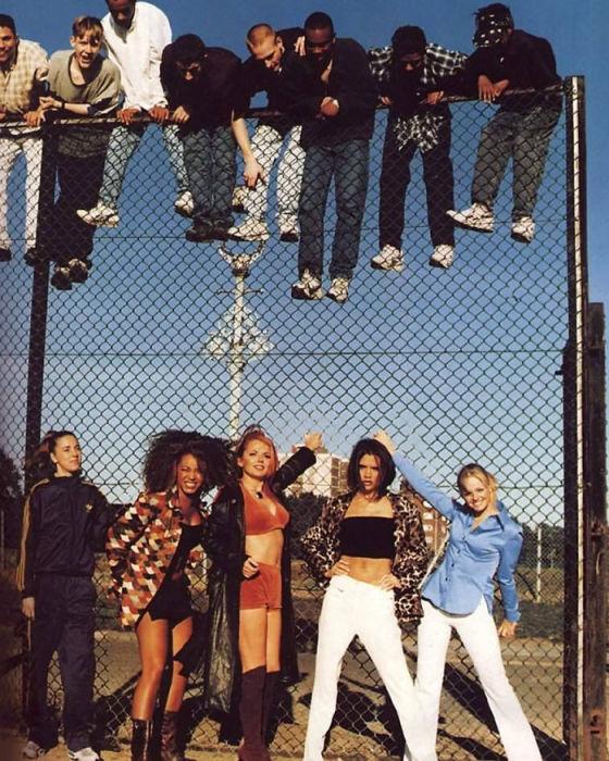 Английская женская музыкальная группа после выпуска своего дебютного альбома «Spice» в 1996 году.