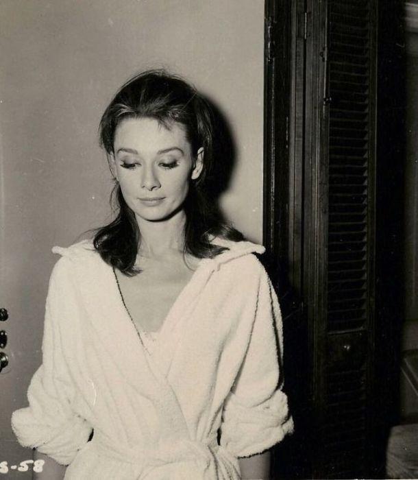Британская актриса на пробных съемках романтической комедии «Завтрак у Тиффани».