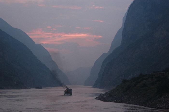 Самая длинная река Азии.