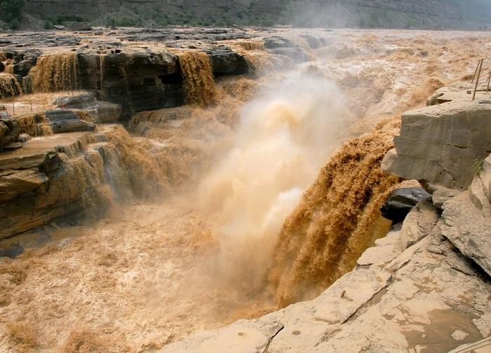 Вторая по длине река в Китае.