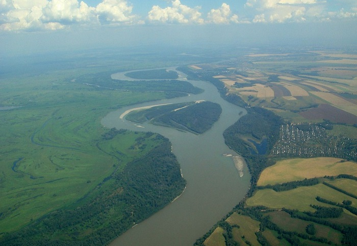 Река Западной Сибири.