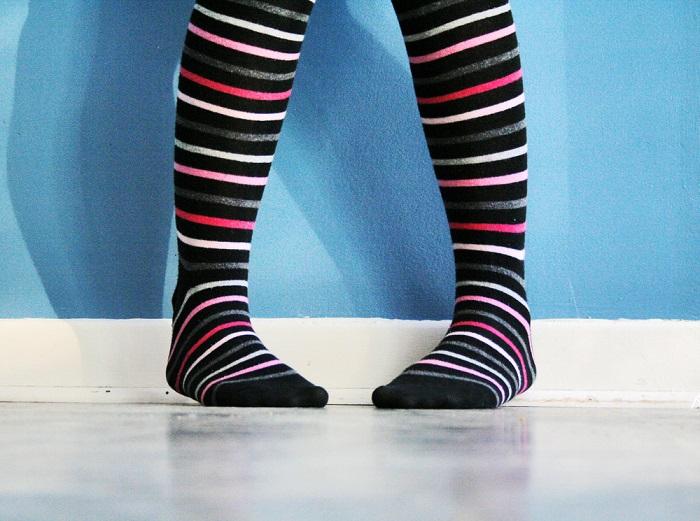 Рекорд по наибольшему количеству носков, надетых на одну ногу за минуту, принадлежит Паволу Дурдику, надевшему 48 носков. Рекорд был установлен в городе Пухов (Словакия) 14 июля 2015 года.