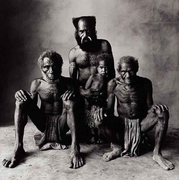Фотограф Ирвинг Пенн запечатлил семью от внука до прадеда.